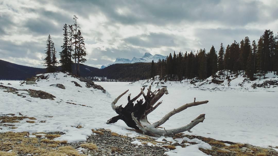 Banff_Lake_Minnewanka_01